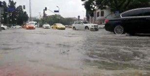 Ortaköy'de cadde sular altına kaldı