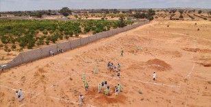 AA Libya'nın Terhune şehrinde bulunan toplu mezardaki kazı çalışmalarını görüntüledi