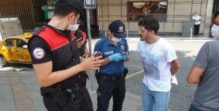 Taksim'de polis ekiplerinden şok 'dar alan uygulaması'