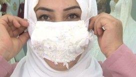 Gelin adayları maske kombinli gelinliğe yöneldi