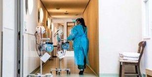 Hollanda hükümetinden sağlık çalışanlarına 1000'er euro koronavirüs ikramiyesi