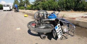 Manisa'da motosiklet kamyonete çarptı: 2 yaralı