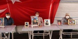 HDP önündeki ailelerin evlat nöbeti 297'nci gününde