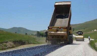 Köy yollarında asfaltlama sezonu başladı