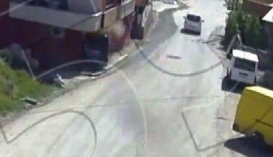 Kontrolden çıkan otomobil dükkana daldı
