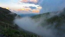Bilbilan'da etkili olan sis görsel şölen oluşturdu