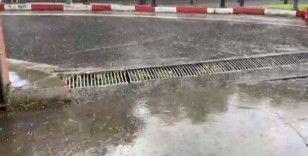 Şişli'de yağmur etkili oldu