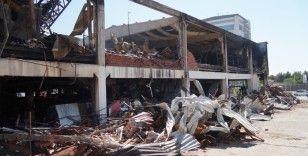 AVM'de çıkan yangın söndürüldü