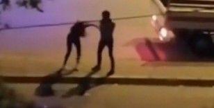 Cadde ortasında kadına şiddet, cep telefonuyla görüntülendi