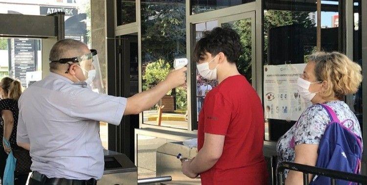 Sosyal mesafeli YKS sınavı başladı