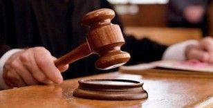 Öz kızını döven babaya ve kızına hapis cezası