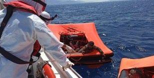 İzmir'de 24 sığınmacı kurtarıldı