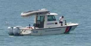 Battığı iddia edilen tekne ve içerisindeki kişiyi arama çalışmaları yeniden başladı