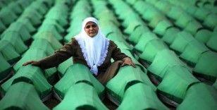 Hollanda'dan Srebrenitsa kurbanlarının yakınları için tazminat komitesi