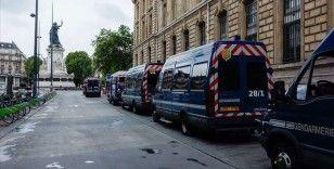 Fransa'da Kovid-19'dan ölenlerin sayısı 30 bine yaklaştı