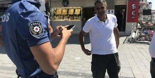 Maskesiz çıkan adamdan ikna için polise ilginç sözler