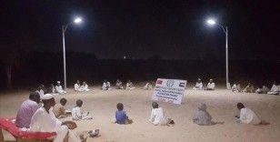 İHH'nin güneş enerjili aydınlatma sistemiyle Sudanlı öğrenciler akşamları da ders çalışabilecek