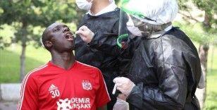 Sivasspor'da teknik heyet ve futbolcularda Kovid-19'a rastlanmadı