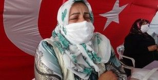 HDP önündeki ailelerin evlat nöbeti 305'inci gününde
