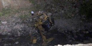 Yol çalışması yapan ekibin üzerine heyelan düştü: 2 ölü