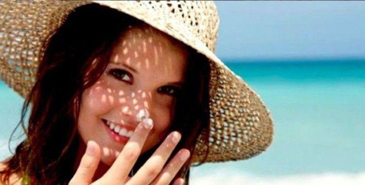 Telefon, bilgisayar ve tabletten yansıyan ışınlar cilde zarar veriyor