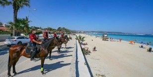 İzmir'in plajları atlı polis birliklerine emanet