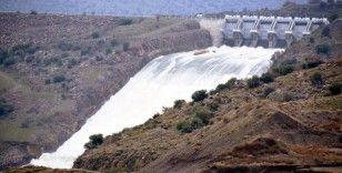 İzmir'deki iki barajda tehlike çanları