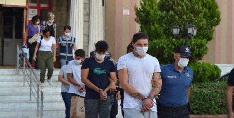 Eskort operasyonunda gözaltına alınan 12 zanlıdan 6'sı tutuklandı