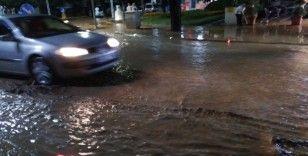Salihli'yi sağanak yağmur ve dolu vurdu