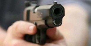 Silahla vurulan kadın hastaneye kaldırıldı