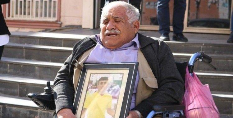 Evladı teslim olan baba, oğluna kavuşacağı anı bekliyor