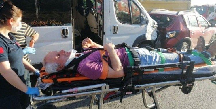 TEM Otoyolu'nda 5 araç çarpıştı: 1 yaralı