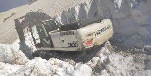Şırnakt'a 36 derecede 'karla mücadele' çalışmaları