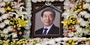 Ölü bulunan Seul Belediye Başkanı Park Won-Soon'un özür notu bıraktığı ortaya çıktı