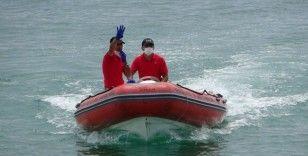 106,5 metre derinlikteki batık tekneden cesetler çıkarılıyor