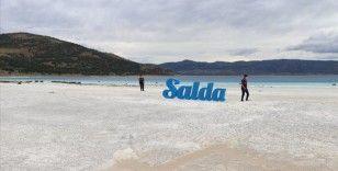 Salda Gölü'ndeki beyaz kumsalda 10 Ağustos'tan itibaren sigara içilmesi yasaklandı