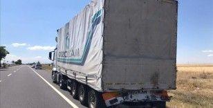 Kayseri'de otomobilin tırla çarpışması sonucu 3 kişi öldü