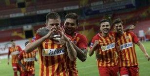 Artem Kravets 9. golünü attı