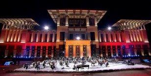 Fahir Atakoğlu'ndan Cumhurbaşkanlığı Külliyesi'nde 15 Temmuz konseri