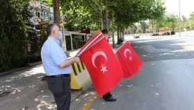 TESK'ten 51 şehit esnaf için 51 bin Türk bayrağı