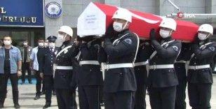 Şehit polis için İstanbul İl Emniyet Müdürlüğünde tören