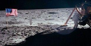 Ay'a ayak basma hedefi, bilimsel değil siyasi güdülerle şekillendi