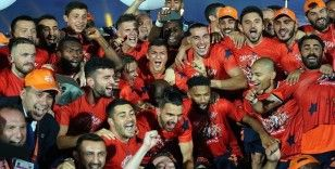 Başakşehir'de 13 futbolcu ilk kez şampiyonluk yaşadı