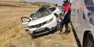 Mardin'de otobüs ile otomobil çarpıştı: 8 yaralı