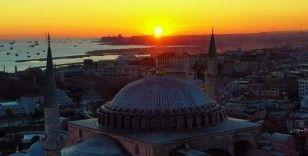 İlk namaza hazırlanan Ayasofya'da gün batımı güzelliği