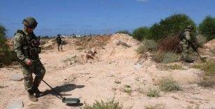 Darbeci Hafter'in sivil yerleşim yerlerine tuzakladığı mayınlar temizleniyor