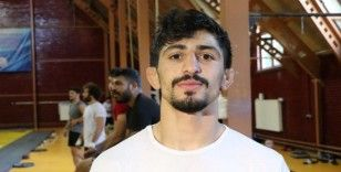 Milli güreşçi Kerem Kamal minderde 'olimpiyat vizesi' için ter dökecek