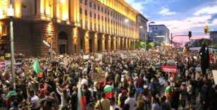 Bulgaristan'da hükümet karşıtı protestolar 4 bakanın istifasına yol açtı