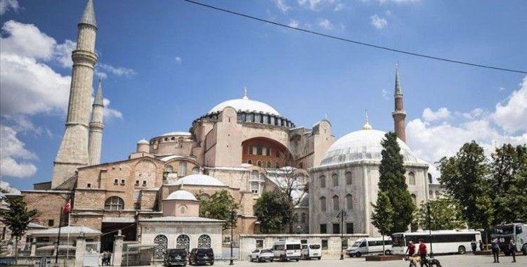 Kızılay, Ayasofya Camisi'nin açılışında vatandaşların ihtiyaçlarını karşılayacak