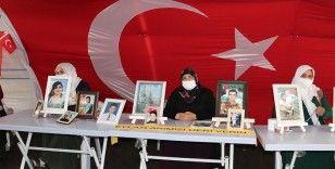 Diyarbakır anneleri hasret kaldıkları evlatlarına kavuşmak istiyor